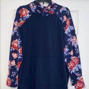 NWT Lularoe 2XL 2X navy floral sleeve Amber hoodie